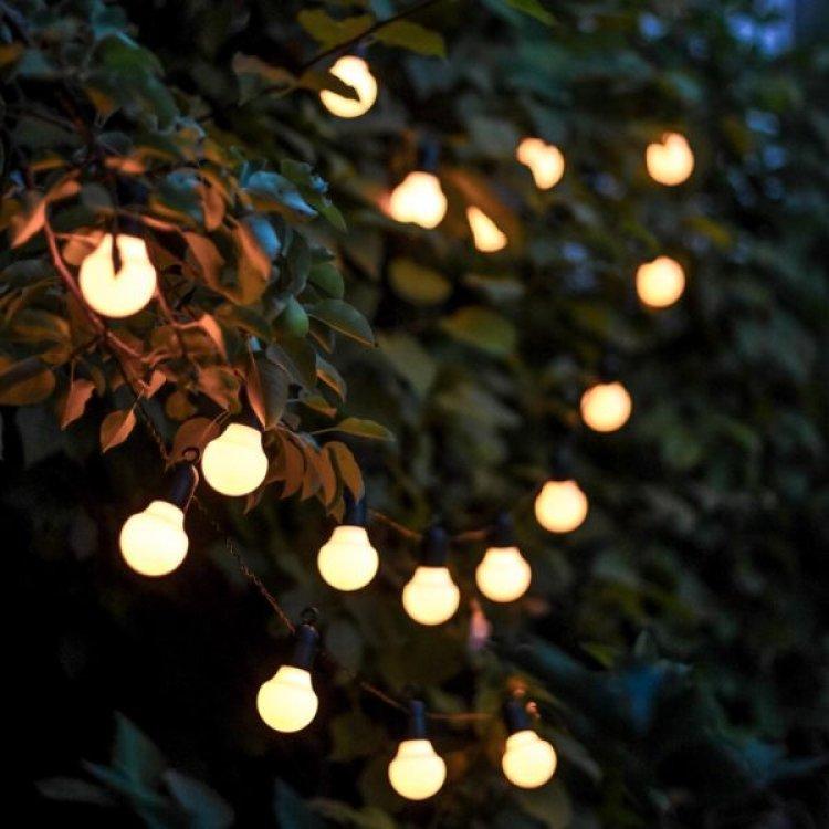Lempučių girlianda sodui